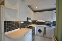 5 bedroom Terraced house in Clayhall Avenue...