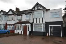 4 bed End of Terrace house in Eastern Avenue...