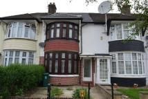 3 bedroom Terraced property in Stradbroke Grove...