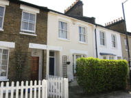 2 bedroom house to rent in Thorne street, Barnes...