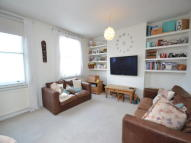 3 bedroom Flat to rent in Castelnau, Barnes, SW13