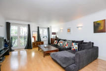 2 bed Flat to rent in Boat Race Court...