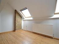 Flat in Rocks Lane, Barnes, SW13