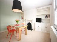 2 bedroom Flat in Rocks Lane, Barnes SW13