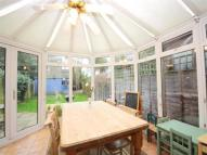 4 bed property to rent in Leconfield Avenue...
