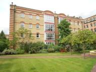 2 bed Flat in Oriel Drive, Barnes, SW13