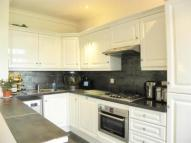 2 bedroom Flat to rent in Rocks Lane, Barnes SW13
