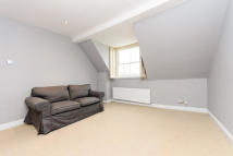 1 bed Flat to rent in Russell Road...