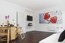 2 bed Apartment to rent in Iffley Road, London, W6