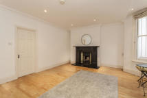 2 bedroom Flat to rent in Elsham Road...