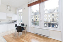 Flat to rent in Glazbury Road, London...