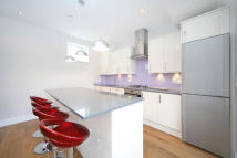 Mews to rent in Barb Mews, W6
