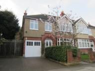 4 bedroom house in Golden Manor London W7