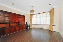 6 bed property in The Ridings Ealing W5