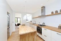 4 bedroom property in Seymour Road, Chiswick