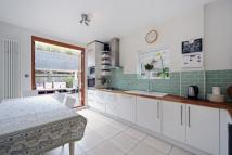 5 bedroom house in Ivy Crescent, Chiswick