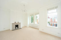 2 bed Flat to rent in Ivy Crescent, Chiswick