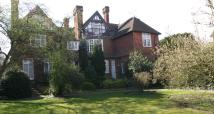 2 bedroom Apartment in Southlea Road, Datchet