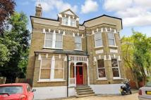 Flat for sale in Harold Road...