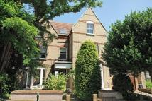 2 bedroom Flat in Belvedere Road...