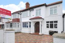 5 bed semi detached property in Georgia Road...