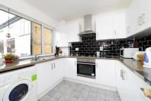 Maisonette to rent in South Norwood Hill South...