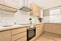 1 bedroom property in Lennox Road, Worthing...