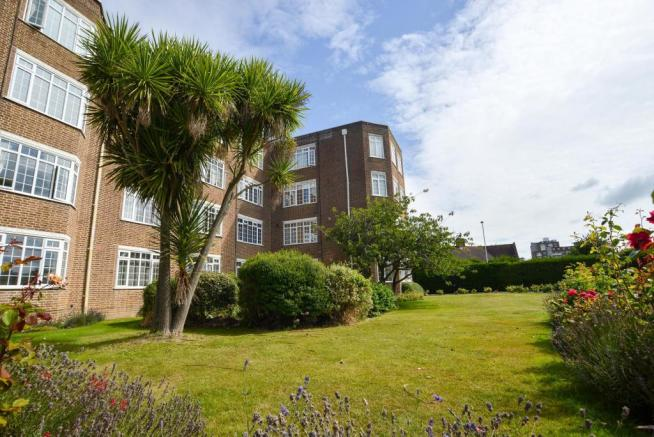 2 bedrooms apartment Worthing BN11