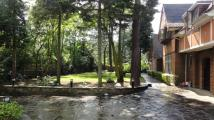 6 bed Detached property for sale in Red Roof...