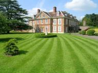 2 bedroom Ground Flat to rent in Clopton House...