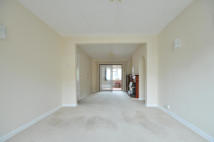 3 bedroom house to rent in Star Road, Hillingdon...