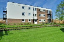 Apartment to rent in Wallace Close, Uxbridge...