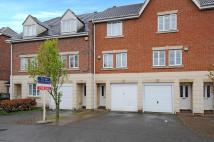 3 bed house to rent in Rose Park Close, Yeading...