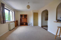 Flat to rent in Waterside, Uxbridge...