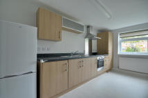 Keith Park Road Flat to rent