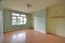 Whitethorne Avenue Maisonette to rent