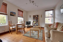 3 bed Maisonette to rent in Myddleton Road, Uxbridge...