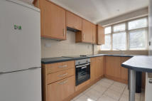 Flat to rent in Oxford Road, Denham...