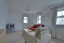 Apartment to rent in Crispin Way, Hillingdon...