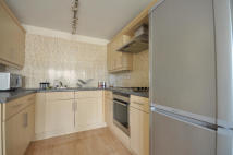 2 bedroom Apartment in Connaught Heights...