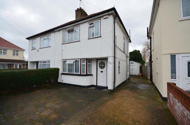 bedroom semi detached house to rent in craven close hayes ub4 0sb