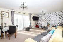 2 bed Ground Flat to rent in Martin Close, Uxbridge...