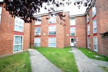 Flat to rent in Archery Close...