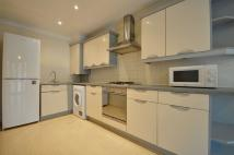 Apartment to rent in Monarchs Court...