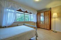 2 bed Apartment to rent in Vanbrough Crescent...