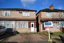 Wood End Gardens semi detached house to rent