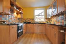 3 bedroom house to rent in Manor Way, Harrow...