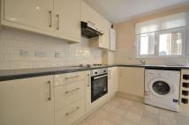 2 bedroom Flat in Drake Court...