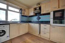 Flat to rent in Rayners Lane, Pinner...