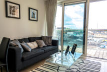 Apartment to rent in Plough Way, London, SE16